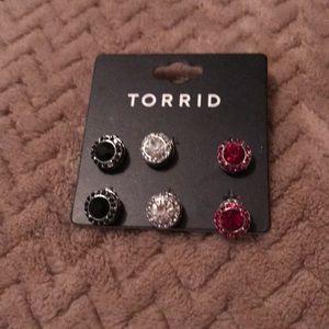 Torrid earring set